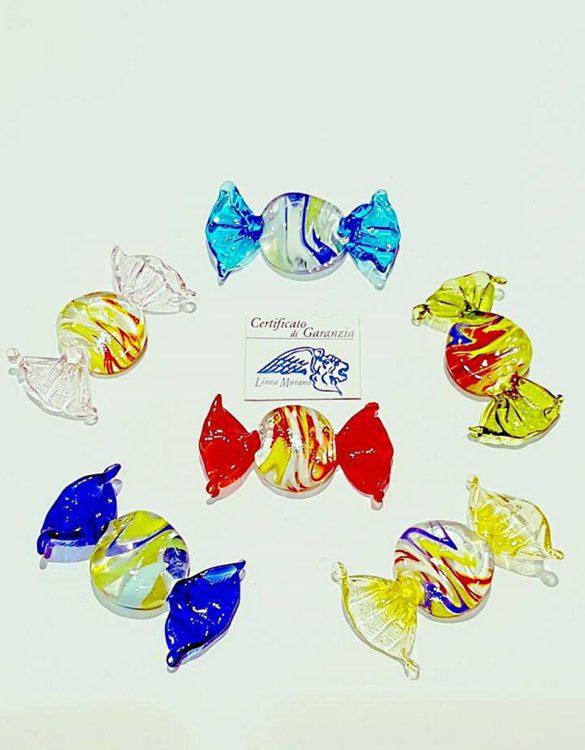 Caramelle piatte di vetro in colori assortiti