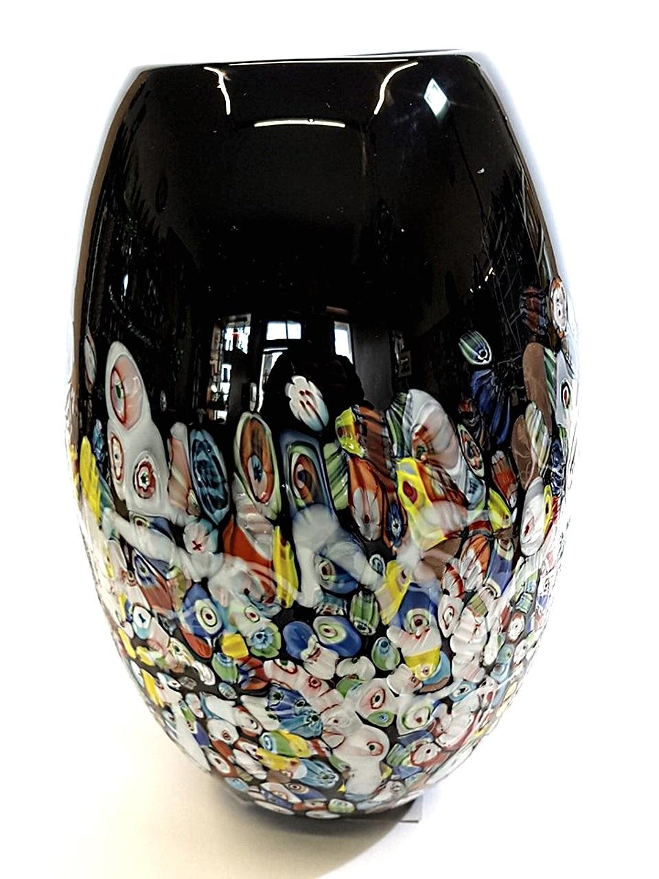 Vaso nero grande con murrine