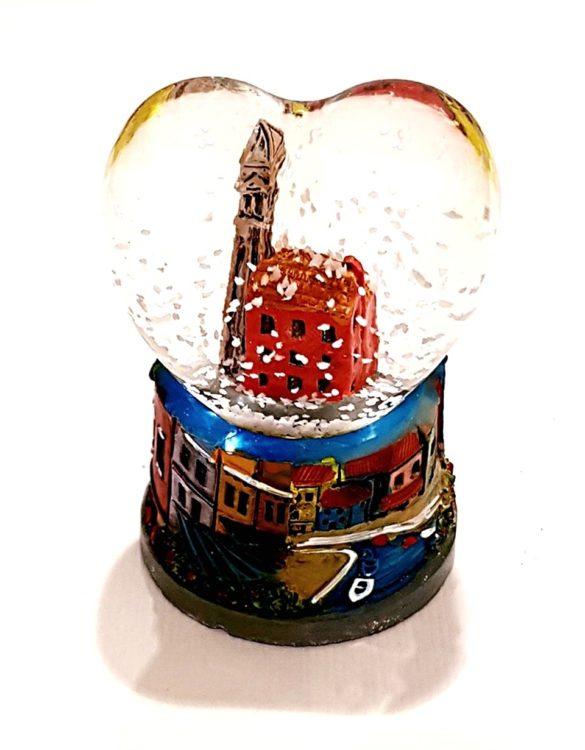 Palla con neve cuore venezia