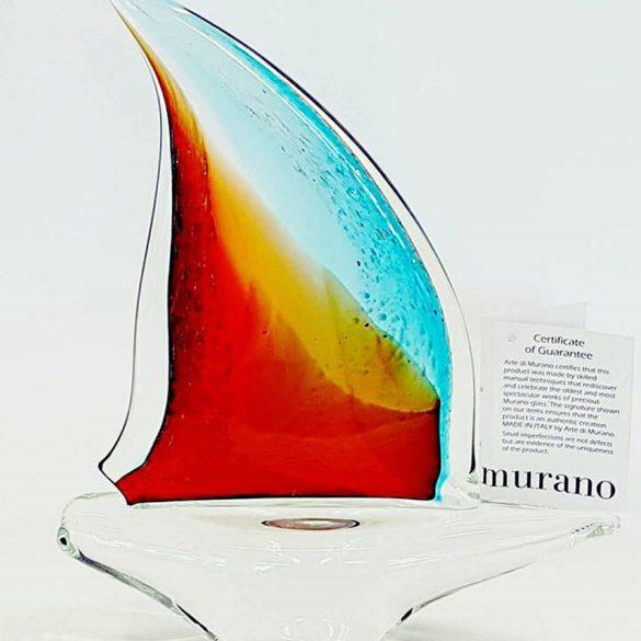 Barca a vela rossa blu in vetro di murano