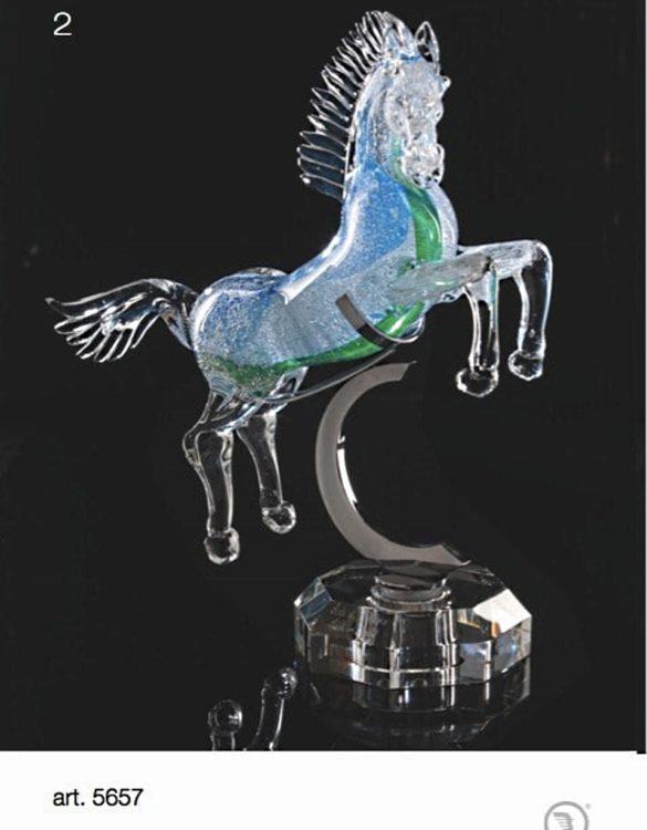 Cavallo con bolle bianco verde con appoggio