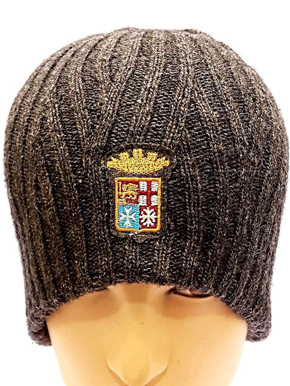 Cappello in maglia lavorata